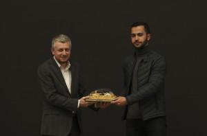 İlk 5'te yer alan Hazem Barbour'a hediyesini Yönetim Kurulu Üyemiz Erkan Halıcı verdi.