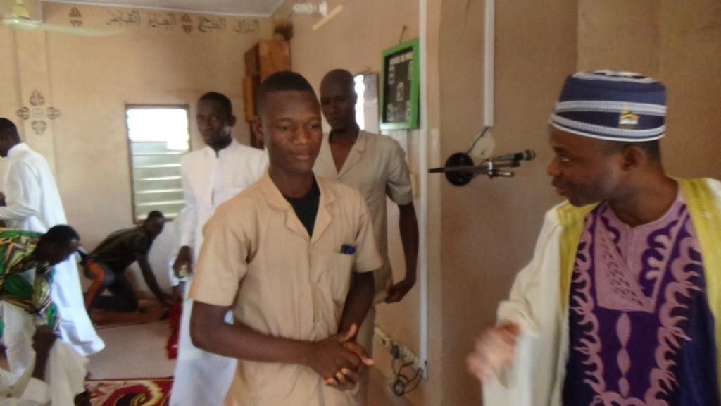Fuacre isimli Beninli kardeşimiz şehadet getirerek müslüman oldu ve adını Abdoul Rachid olarak değiştirdi.
